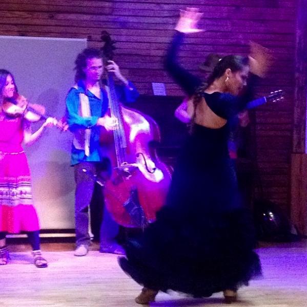 Eliza dancing with The Balcony Players featuring violinist Moniek De Leeuw, Martin Masakowski on double bass, & Johan De Pue on guitar.