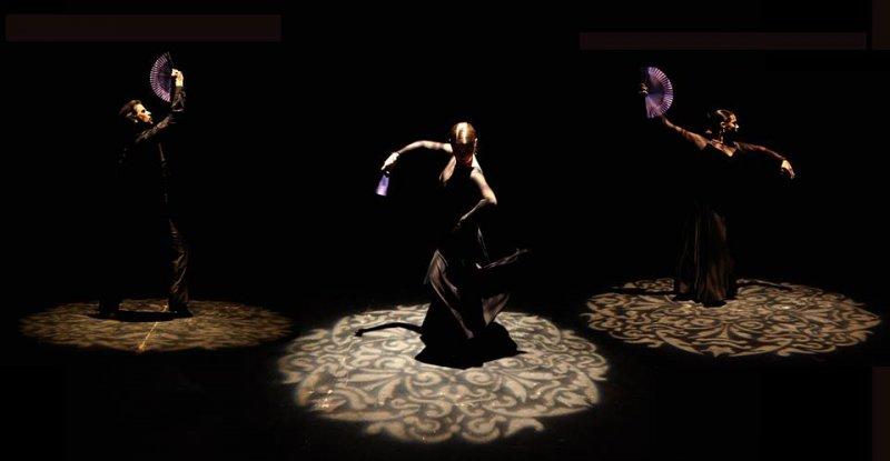 Seguiriya, Flamenco Vivo (2015 Winter Tour). Photo by Angelica Escoto