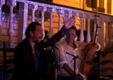 Javier Heredia & John Lawrence on guitar